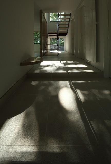 大沼 森の家の部屋 玄関(撮影:Adachi Osamu)