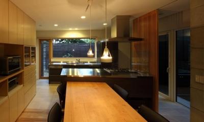 キッチン(撮影:Adachi Osamu)|真駒内土間のある家