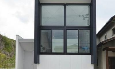 外観2 I邸・リビング階段に囲まれた吹抜けのプライベート空間