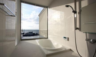 海が見える浴室|鶴岡N邸