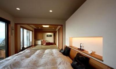 鶴岡N邸 (ベッドルームから和室を見る)