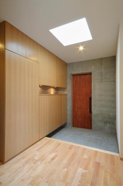 岡谷の家 (玄関)