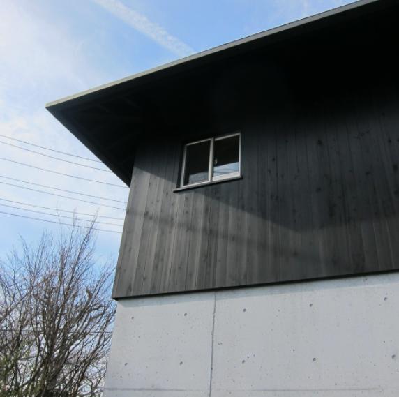 I-house・RC+木造の大屋根の家の部屋 外観1