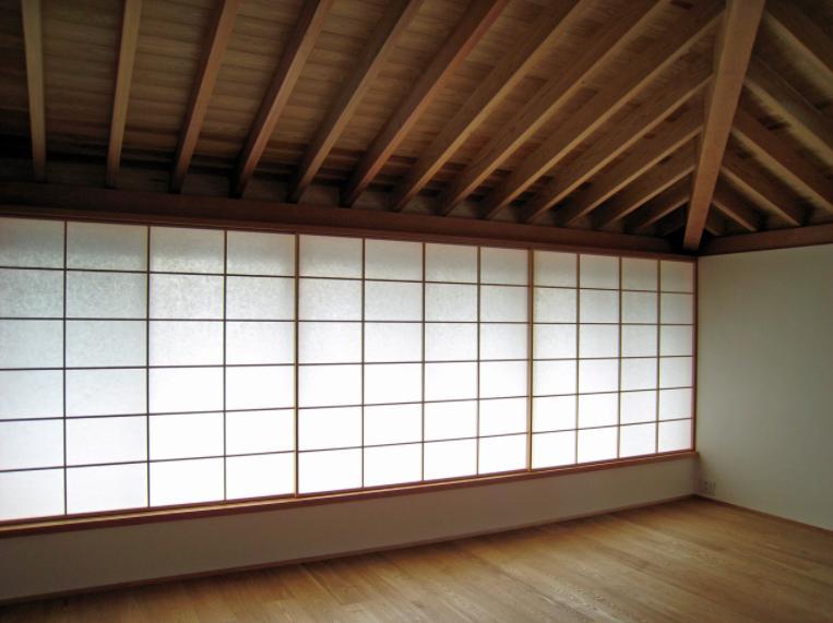 I-house・RC+木造の大屋根の家 (ベッドルーム)
