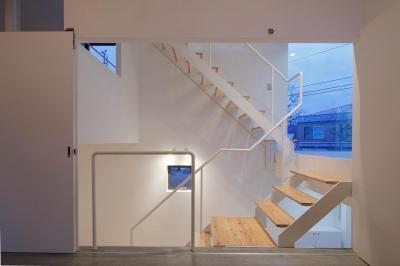 白のコラージュ (階段)