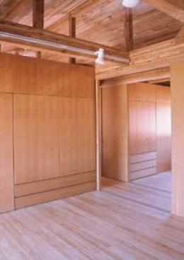 八幡の家 (2階ベッドルーム)