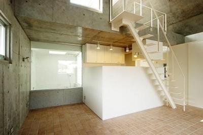 世田谷U邸新築工事・コンクリート打ち放しの家 (タイル床の玄関土間)