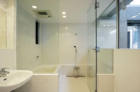 原町S邸新築工事・屋上庭園のある家の部屋 浴室・洗面