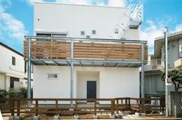 川崎市T邸新築工事・大空間リビングの家 (白い外観)