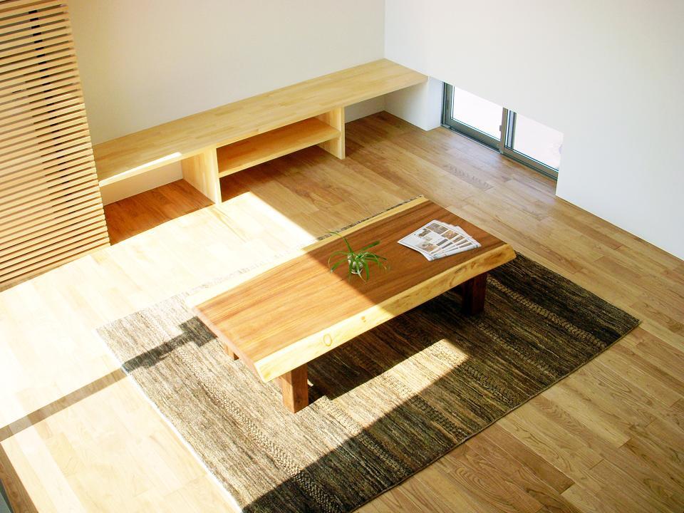 ボックスパズルの家の部屋 リビングテーブル