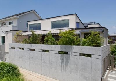 津のコートハウス (南側外観)