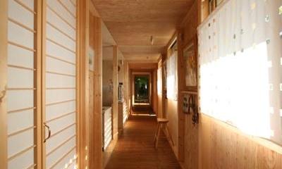 円山のPASSAGE (外回廊と並行する廊下)