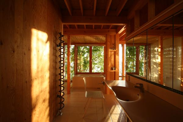海の崖っぷちのSOHOの部屋 浴室・洗面