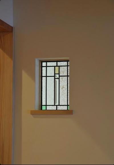 玄関ホールのステンドグラス (安曇野の家2)