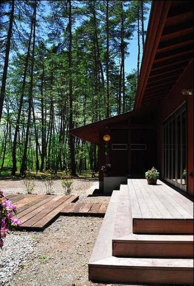 蓼科の家 (南側デッキ)