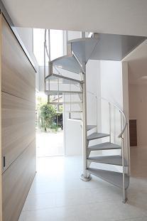 豊山町の家の部屋 螺旋階段