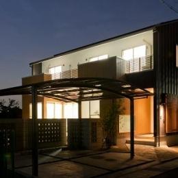 TARAGAの家 (外観-夜景)