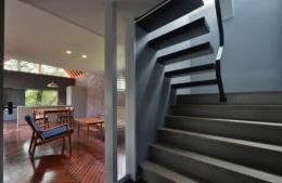守山の家 (階段(撮影:加納フォト))