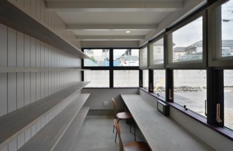 守山の家の部屋 ワークスペース(撮影:加納フォト)