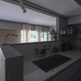 星ヶ丘のリノベーション (キッチン(撮影:多田ユウコ写真事務所))