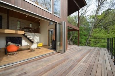 ウッドデッキテラス1 (大きな栗の木の下の家)