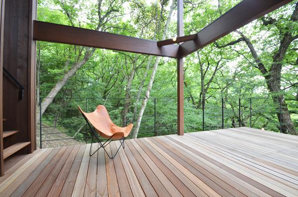 大きな栗の木の下の家 (アウトドアリビング)
