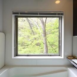 大きな栗の木の下の家 (浴室)