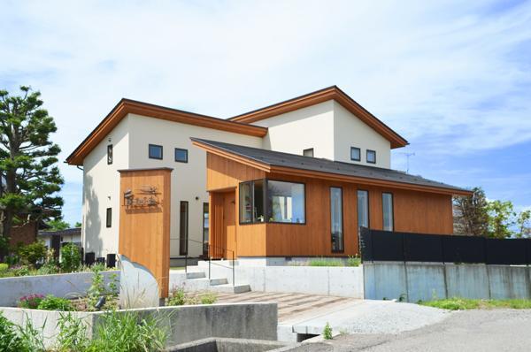 美容室と光庭の家の部屋 美容室併用住宅-外観