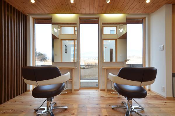 美容室と光庭の家の部屋 美容室カットスペース