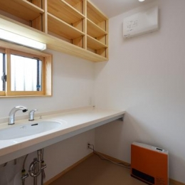 美容室と光庭の家 (美容室バックヤード)