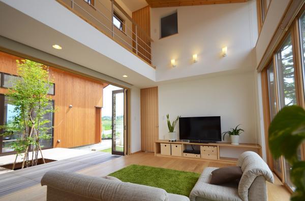 建築家:鎌田賢太郎「美容室と光庭の家」