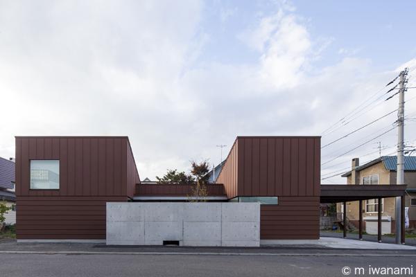 HOUSE sky 〜2つ屋根の家〜の部屋 外観1(撮影:m iwanami)