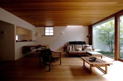 リビングダイニング (武蔵野の家)