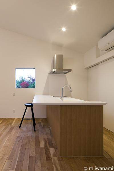 HOUSE sky 〜2つ屋根の家〜 (キッチン(撮影:m iwanami))