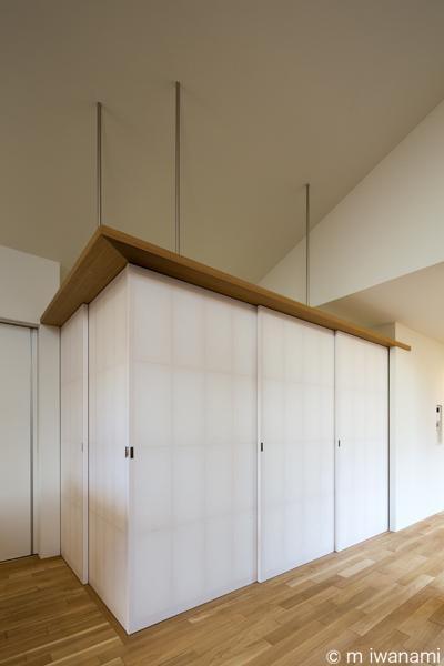 HOUSE sky 〜2つ屋根の家〜 (間仕切り可能な畳スペース(撮影:m iwanami))