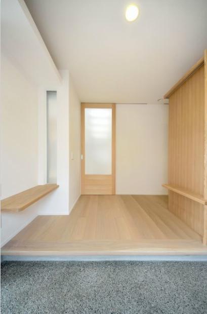 和モダンの家の部屋 玄関