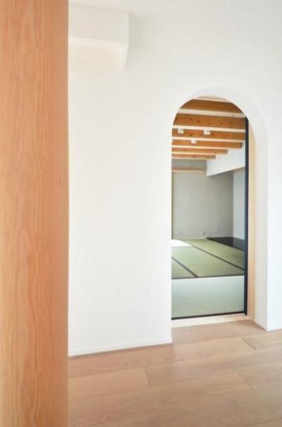 和モダンの家 (和室入口)