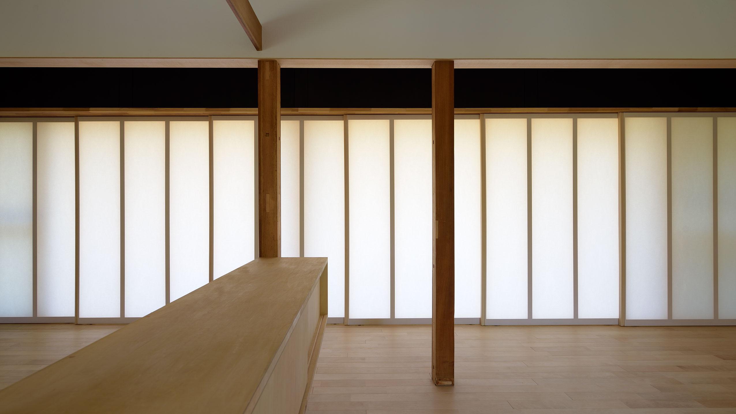 稲美町の離れ DETACHED ROOM in Inamiの部屋 柔らかな光を取り込む建具