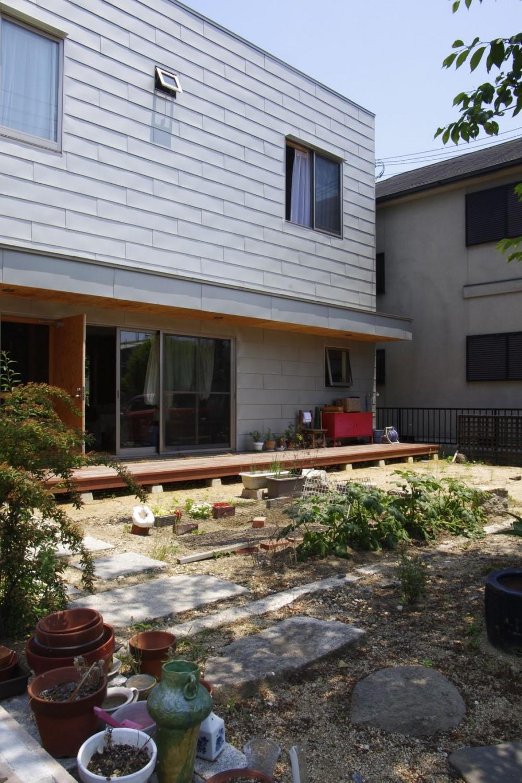 高師浜の住宅 / HOUSE in Takashinohama (前庭)