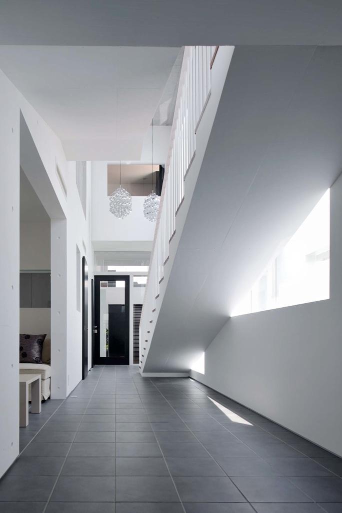 Tender concreteの部屋 ホール(撮影:杉野圭建)