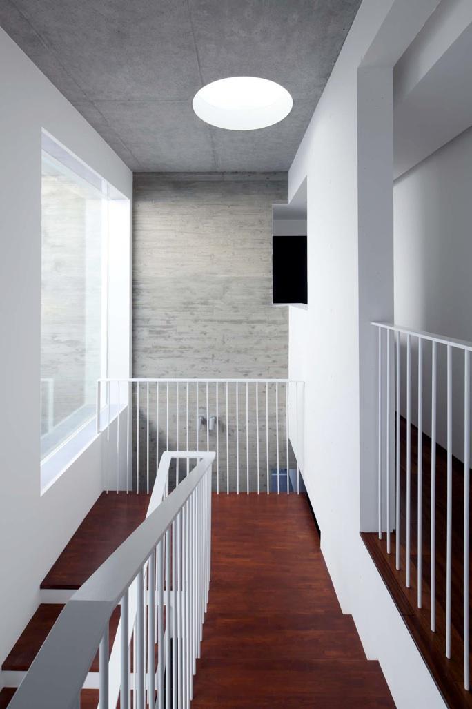 Tender concreteの部屋 階段(撮影:杉野圭建)