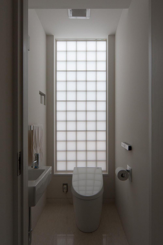 国領の家 (トイレ)