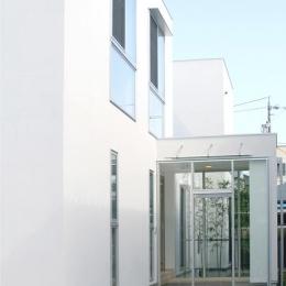 安東の家2(勝又邸) (ガラスボックスの玄関)