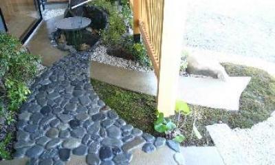 中庭|木格子の家