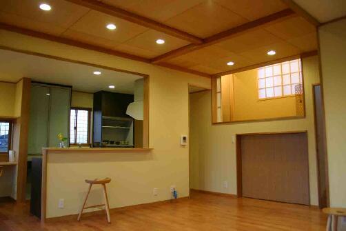 木格子の家の部屋 スキップを活用したLDK
