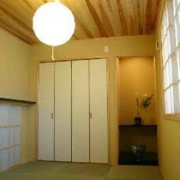 木格子の家 (1.5階和室)