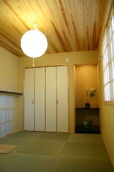 木格子の家の部屋 1.5階和室