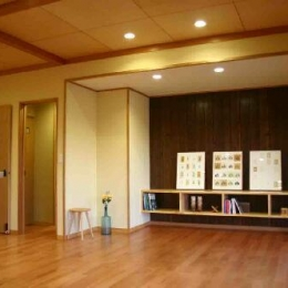 木格子の家 (リビング)