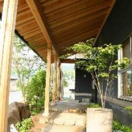 大屋の家 (玄関アプローチ)
