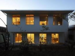 house n (外観-夕景(撮影:鈴木美幸))